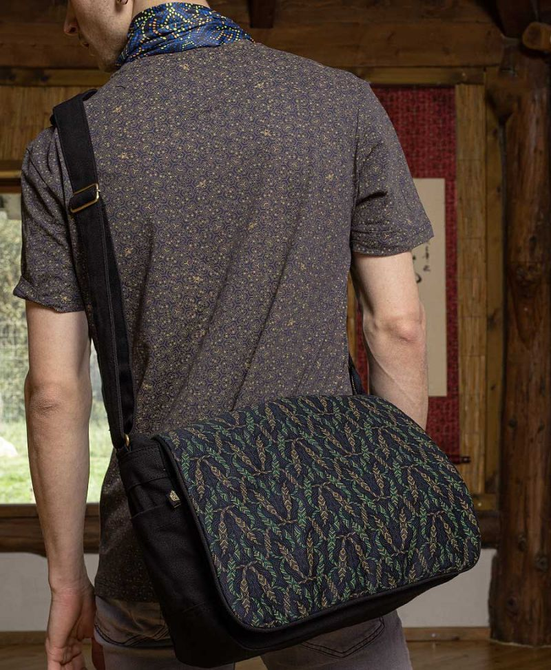 Nyoka Messenger Bag | Black
