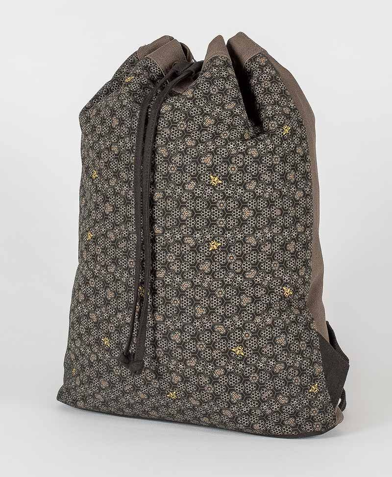 Bees ➟ Padded Straps Drawstring Backpack