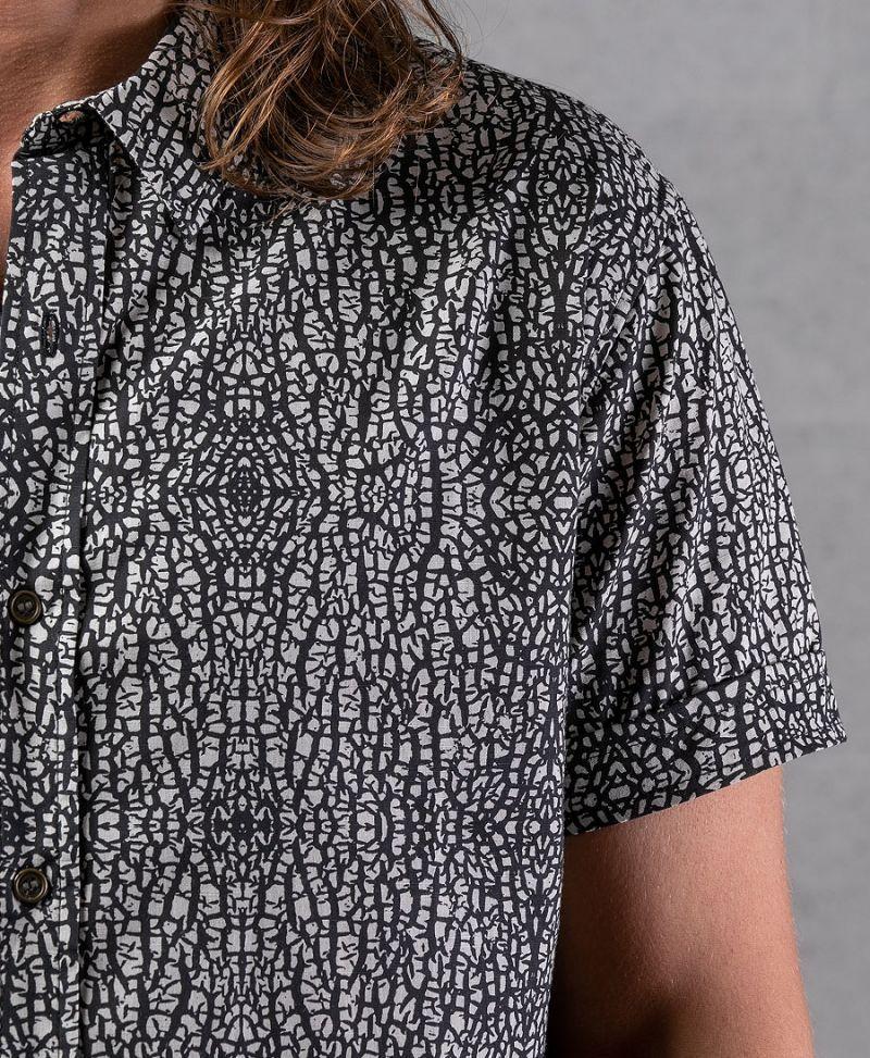 Melon Button Shirt ➟ Grey