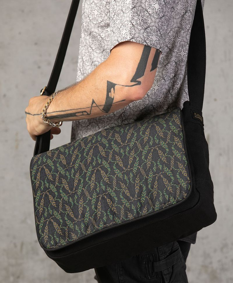 Nyoka Messenger Bag | Black