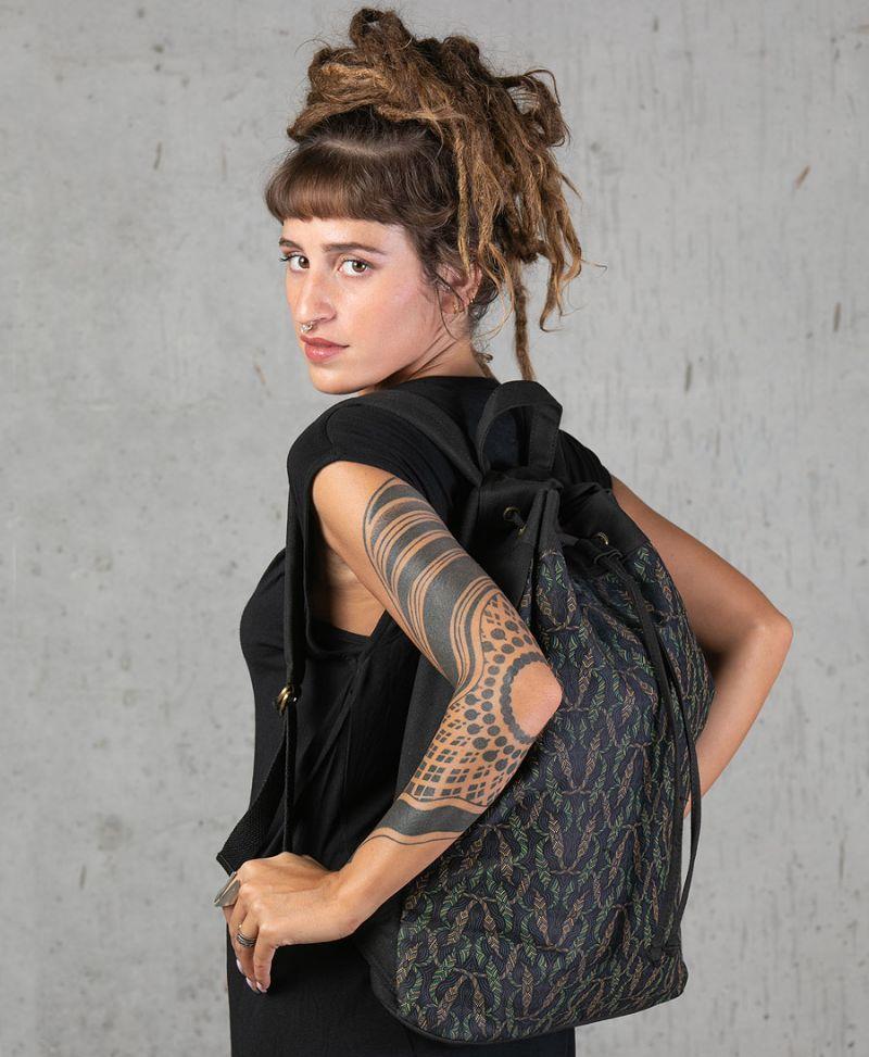 Nyoka  ➟ Padded Straps Drawstring Backpack