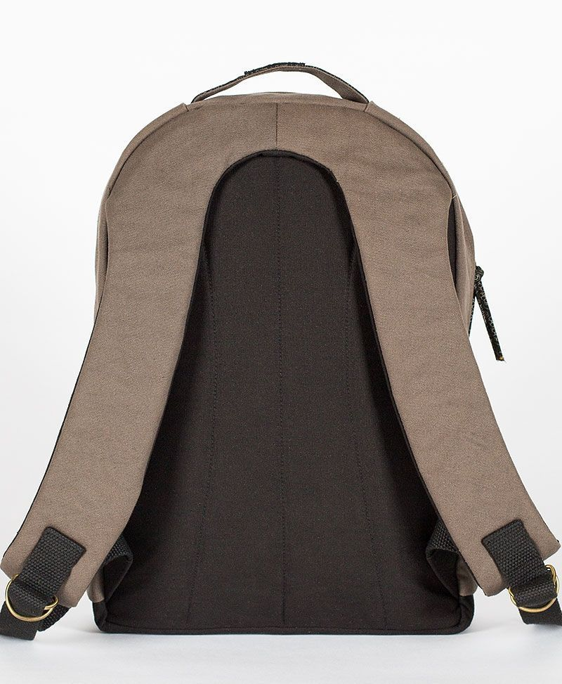 beehive-round-canvas-backpack-laptop-bag
