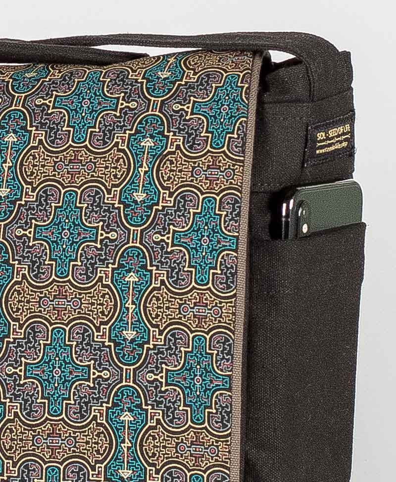 Shipibo Kené Messenger Bag | Black