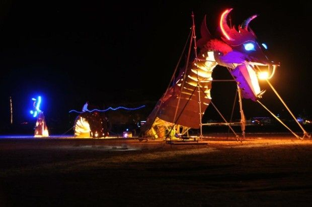 psychedelic-trance-festival-fashion-clothing-daniel-popper-dragon-afrikaburn