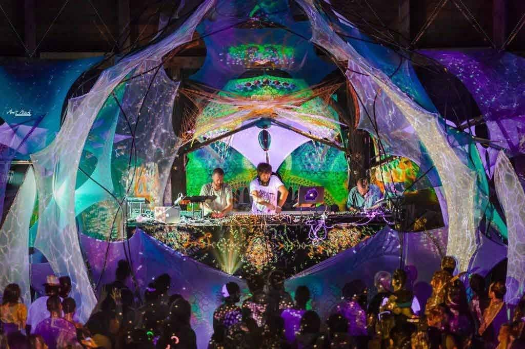 psychedelic-trance-festival-fashion-clothing-sol-seed-of-life-Geometric-Flux