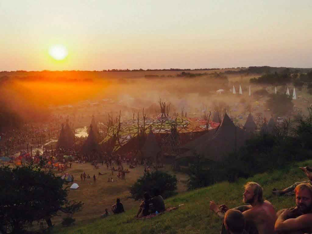 psychedelic-trance-festival-fashion-clothing-sol-seed-of-life-ozora-2015-last-set_Remko-van-Diggelen