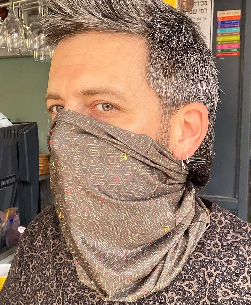 bee-hive-face-mask-neck-gaiter