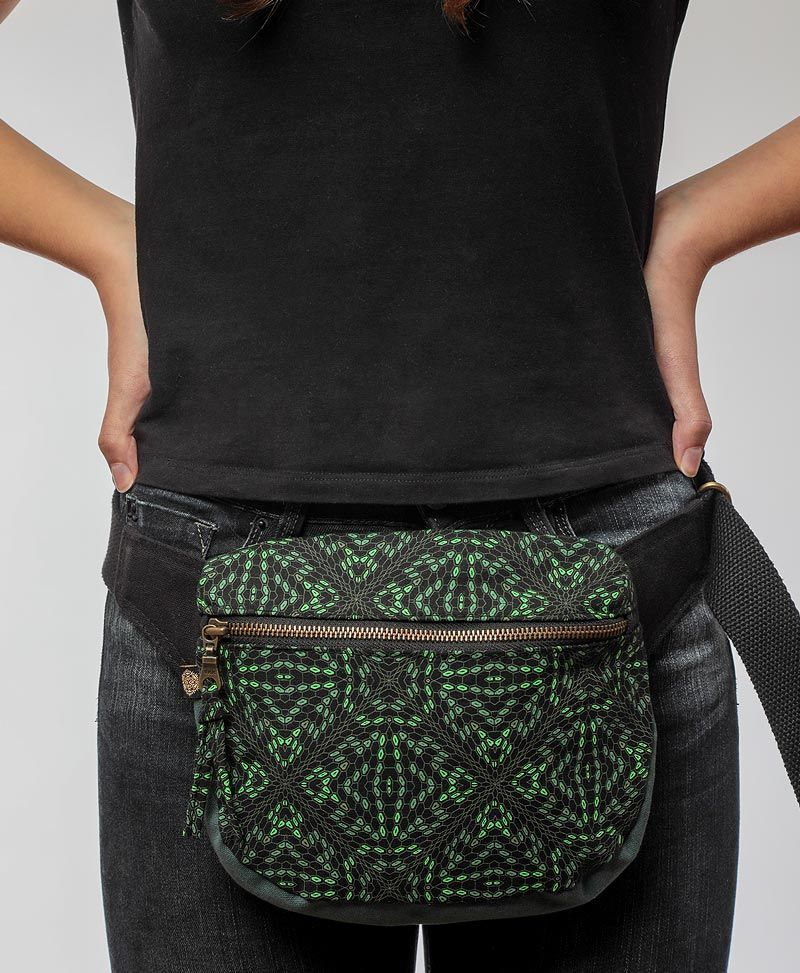 psychedelic-belt-pouch-fanny-pack-festival-hip-belt