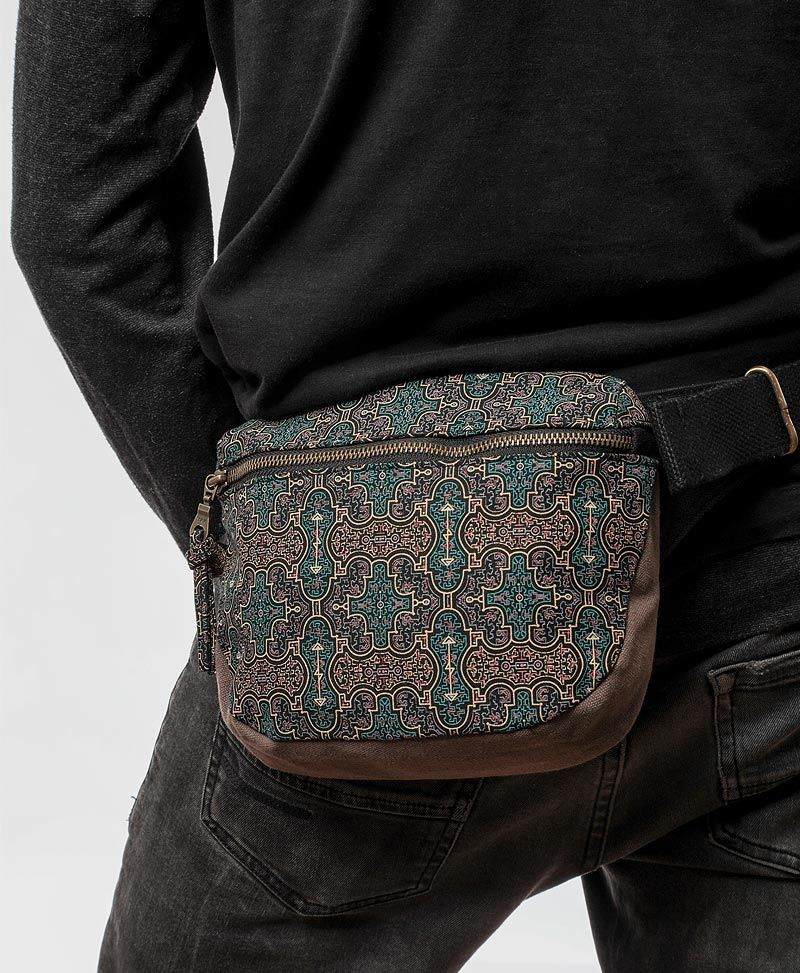 shipibo-women-pouch-pocket-belt-fanny-pack-sacred-geometry