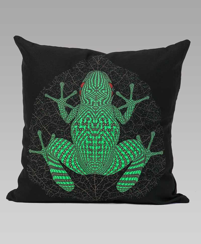 Sapo Kambô Cushion Cover