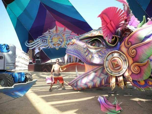 psychedelic-trance-festival-fashion-clothing-daniel-popper-Boom-Serpents-1