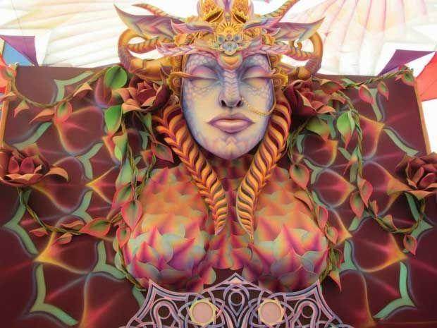 psychedelic-trance-festival-fashion-clothing-daniel-popper-boom-festival-2014-venus2