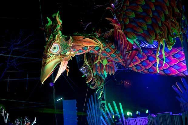 psychedelic-trance-festival-fashion-clothing-daniel-popper-rainbow-phoenix