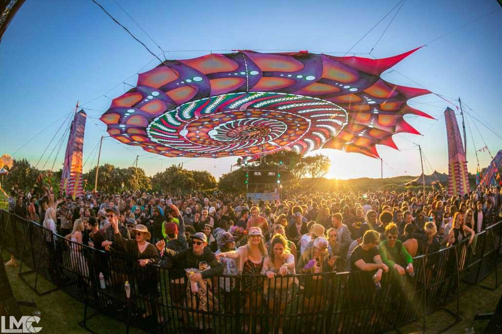 psychedelic-trance-festival-fashion-clothing-2018-alien-safari