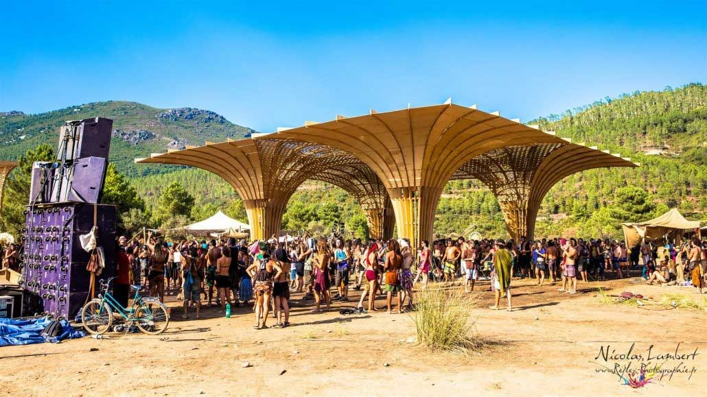 psychedelic-trance-festival-fashion-clothing-2018-lost-theory-fest
