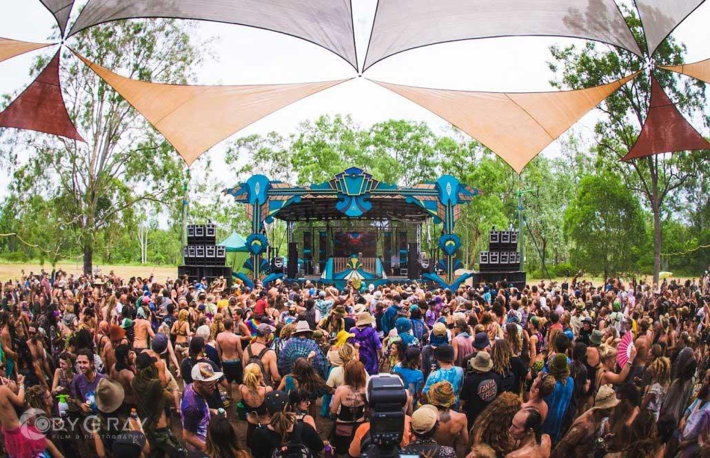 psychedelic-trance-festival-fashion-clothing-earth-freq-festival